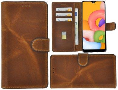 Samsung Galaxy A01 hoes Echt Leer Wallet Bookcase hoesje cover Cognac Bruin Pearlycase